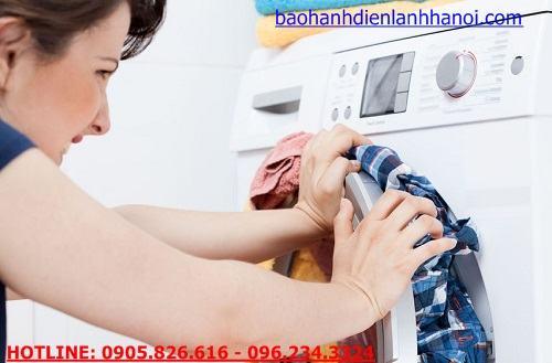 không nên giặt quá cân máy