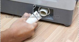 Hướng dẫn cách sửa máy giặt không giữ nước