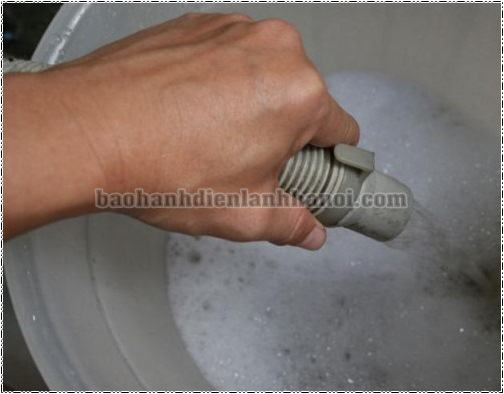 Sửa máy giặt không giữ nước tại nhàHà Nội