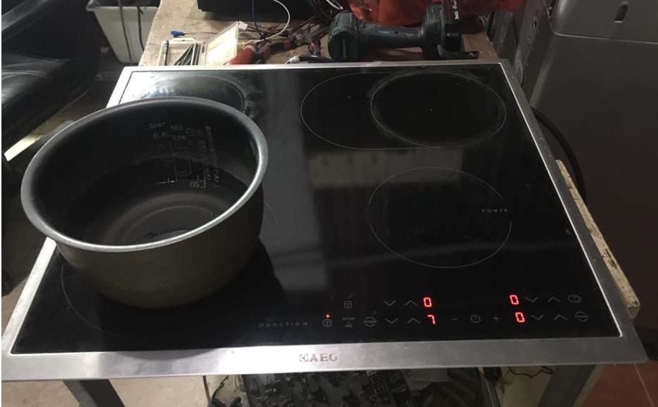 Sửa bo mạch Bếp từ Aeg
