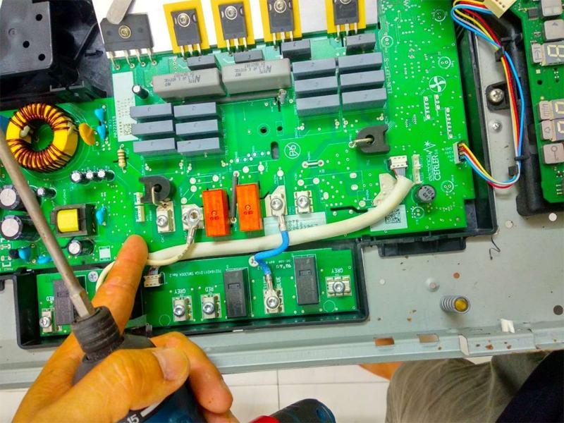 Nên chọn trung tâm sửa chữa bếp từ như thế nào đảm bảo chất lượng?
