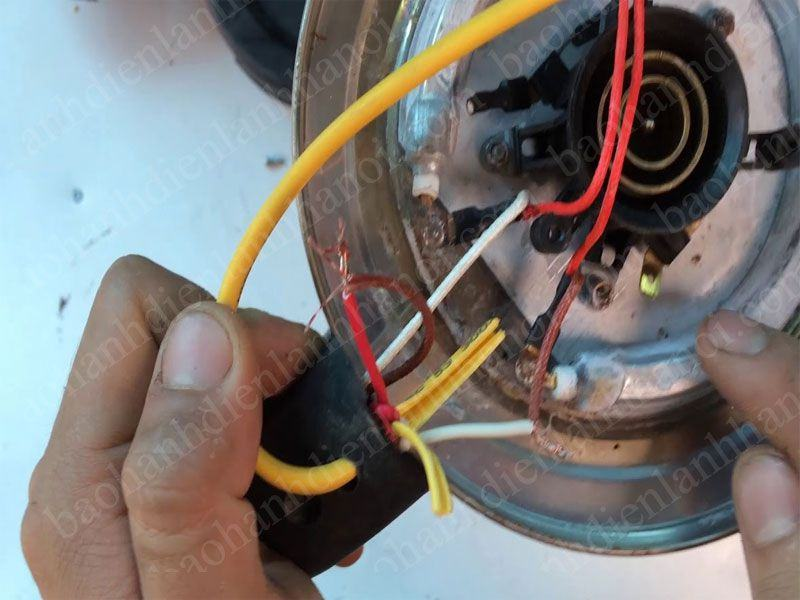 Hướng dẫn sửa chữa ấm đun siêu tốc không nóng chi tiết nhất
